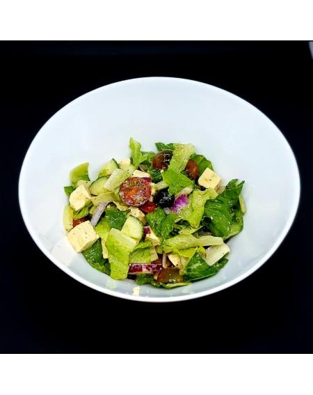 Salade grecque au tofu mariné